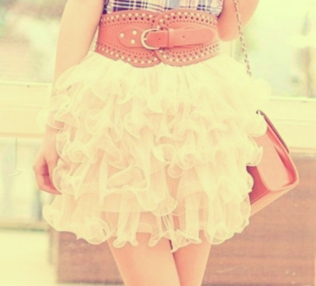 love skirts like this one and the belt is very nice