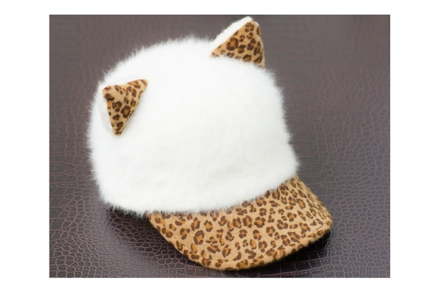 This cap is so adorable!!! I really want it but it's sold out now T_T It's form foki.com shop